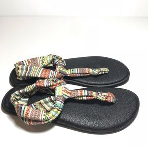 Sanuk yoga sandals size 8